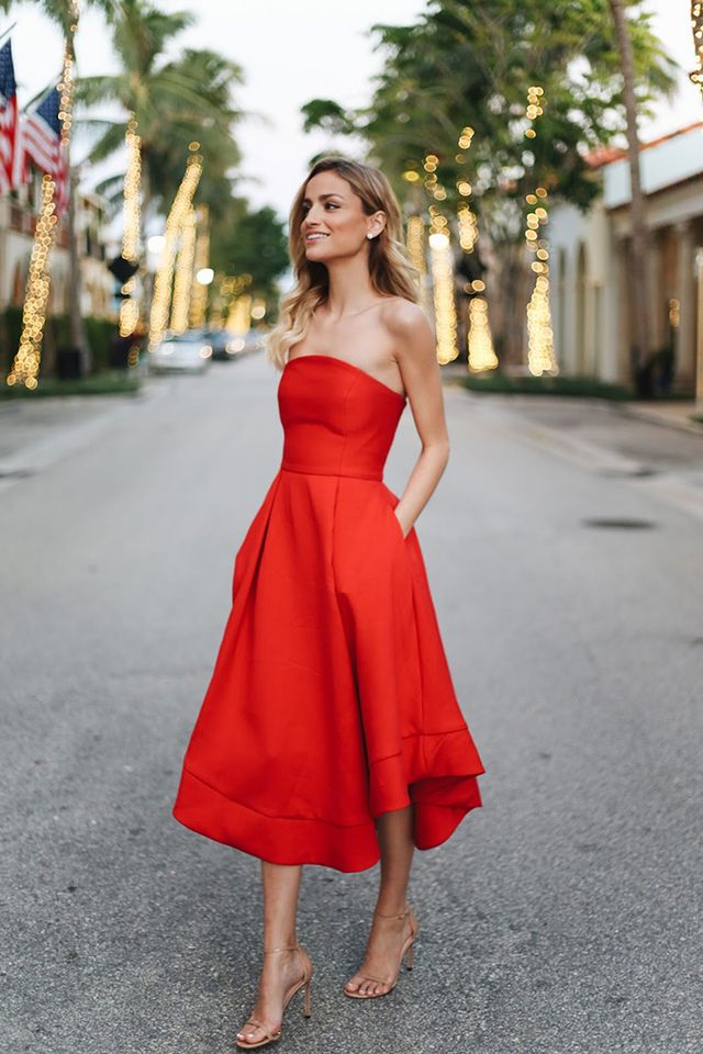 42a564b0d4 There s no better occasion to break out a bright red dress than Valentine s  Day. Taylor of Little Blonde Book keeps it simple