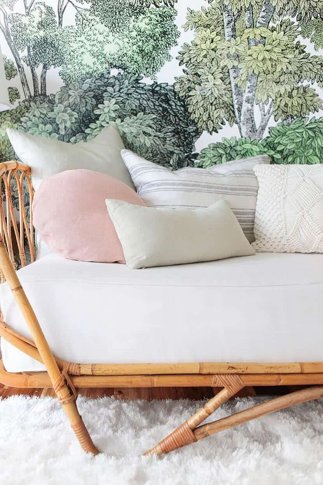 How To Style A Twin Bed Like A Sofa Emily Henderson Bloglovin
